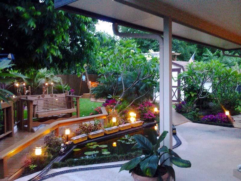 Ánh sáng mang đến vẻ lung linh huyền bí cho khu vườn nhà bạn