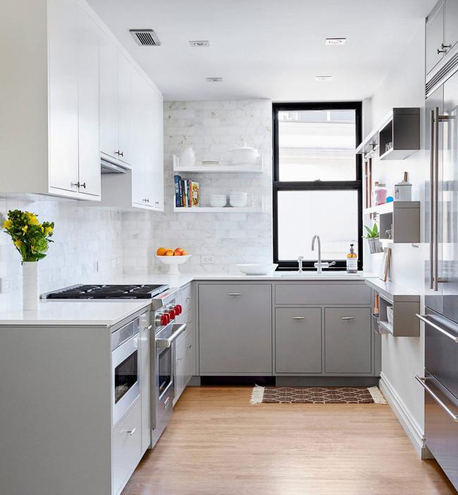 Thiết kế phòng bếp với tông xám trông chẳng nhàm chán chút
