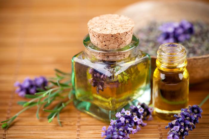 Tinh dầu lavender giúp làm sạch bề mặt hiệu quả