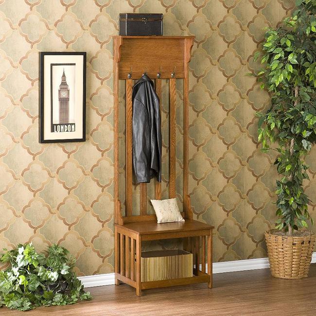 Mẫu giá treo quần áo với chiều cao nổi trội cho phòng khách đẹp ấn tượng