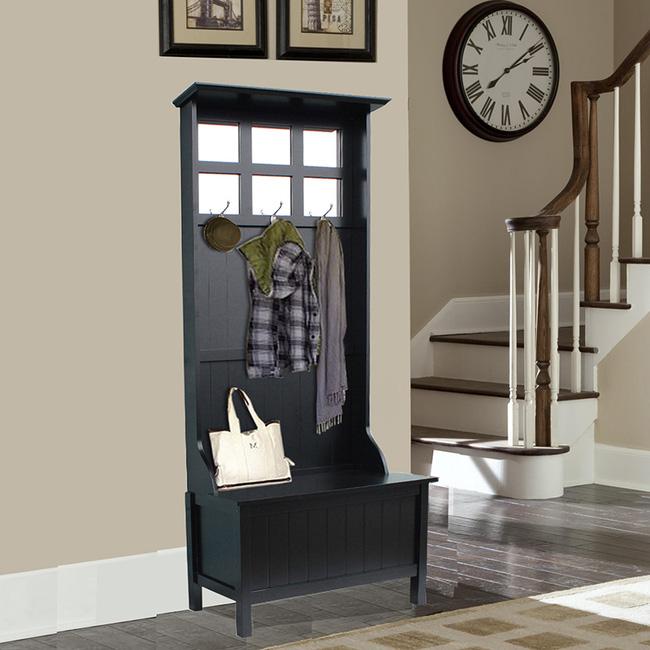 Giá treo quần áo màu tối với thiết kế nhỏ gọn nhưng đầy tiện ích