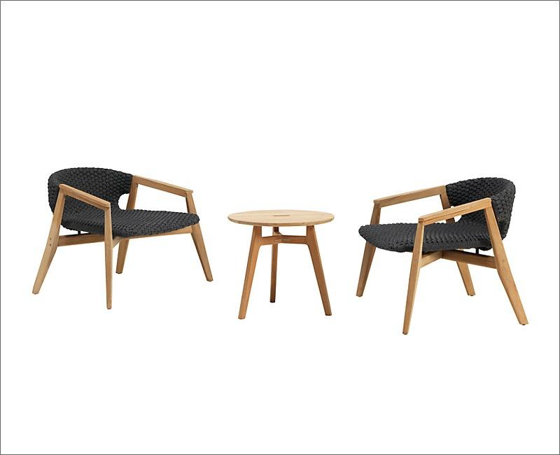 Ban công nhỏ cũng chẳng lo khi đã có những mẫu bàn ghế 16