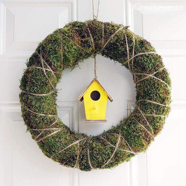Nhà đẹp hút hồn với cách trang trí cửa ra vào bằng vòng hoa 9