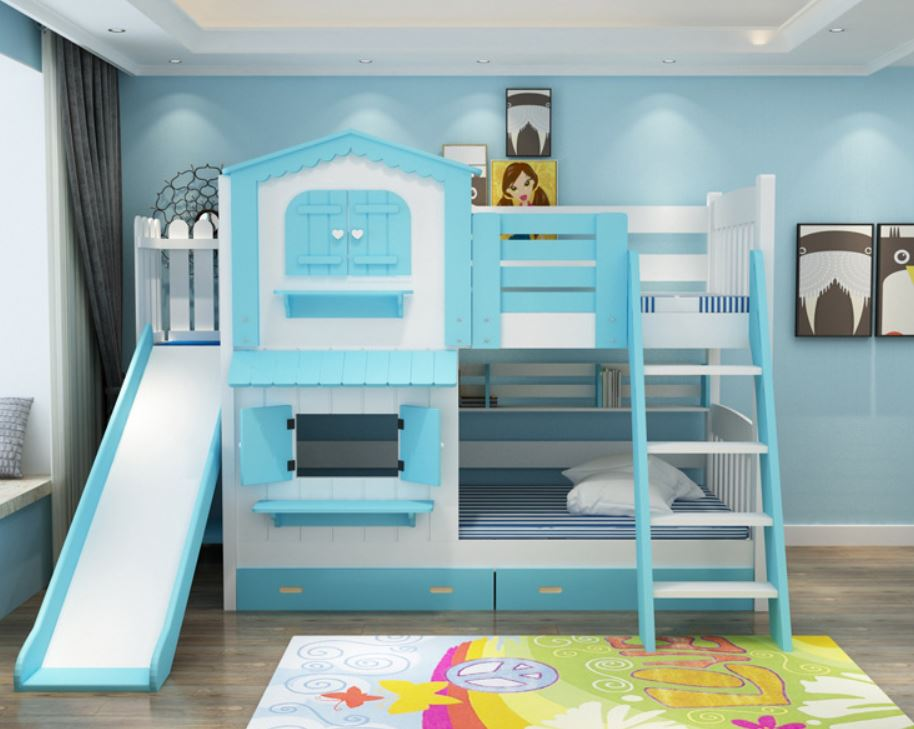 Phòng ngủ màu xanh dương với giường tầng và khu vui chơi cho bé