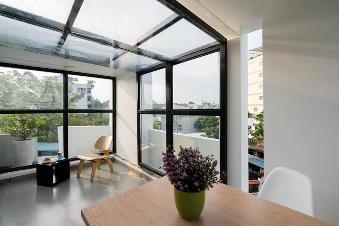 Although only 27 m2 but beautiful and angular house in Go Vap district, the roof of glass roof 2