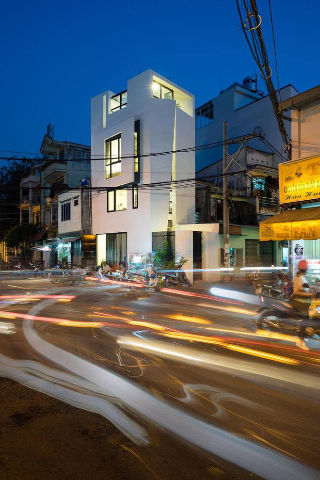 Although only 27 m2 but beautiful and angular house in Go Vap _hadepso night
