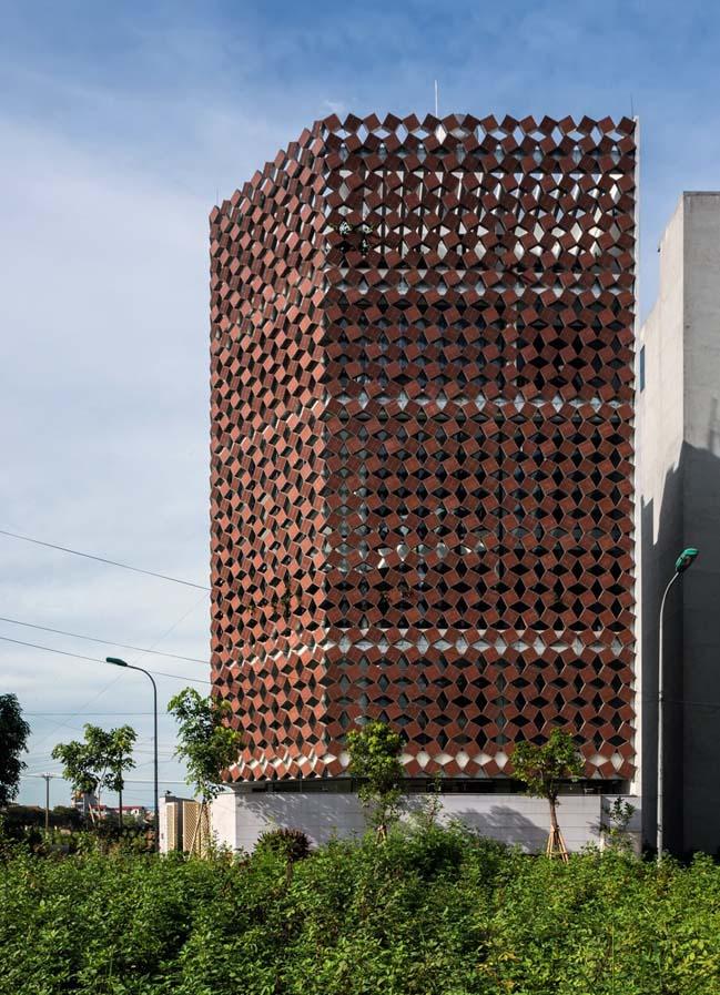 nhà phố đẹp 5 tầng với thiết kế mặt tiền 2 lớp (2)