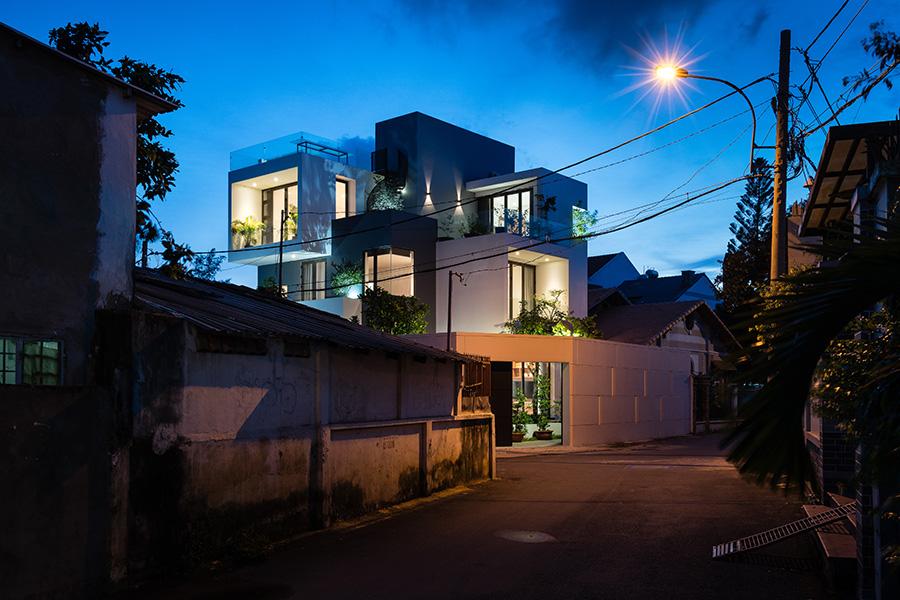 biệt thự phố 2 mặt tiền hình khối ấn tượng 3 view hướng gió_mặt tiền ban đêm