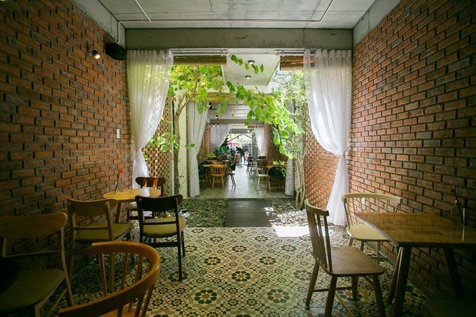 Thiết kế nhà phố 2 tầng kiêm quán cà phê ở Đà Nẵng (4)