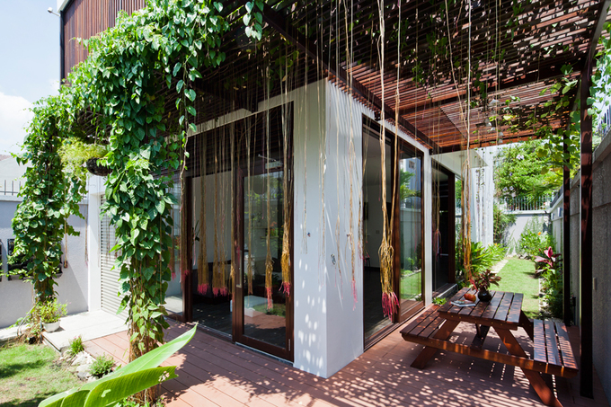 Nhà phố đẹp 2 tầng ở quận 2 Sài Gòn có mặt tiền biến đổi tùy thích (4)