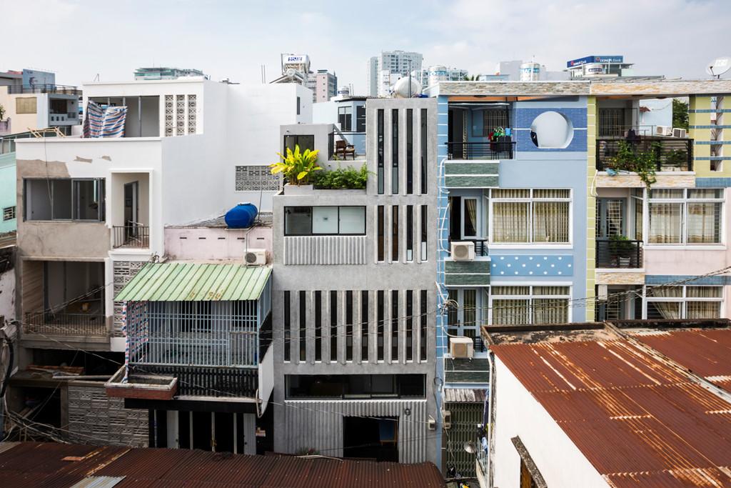Thiết kế nhà phố nổi bật trong hẻm nhỏ Sài Gòn (1)