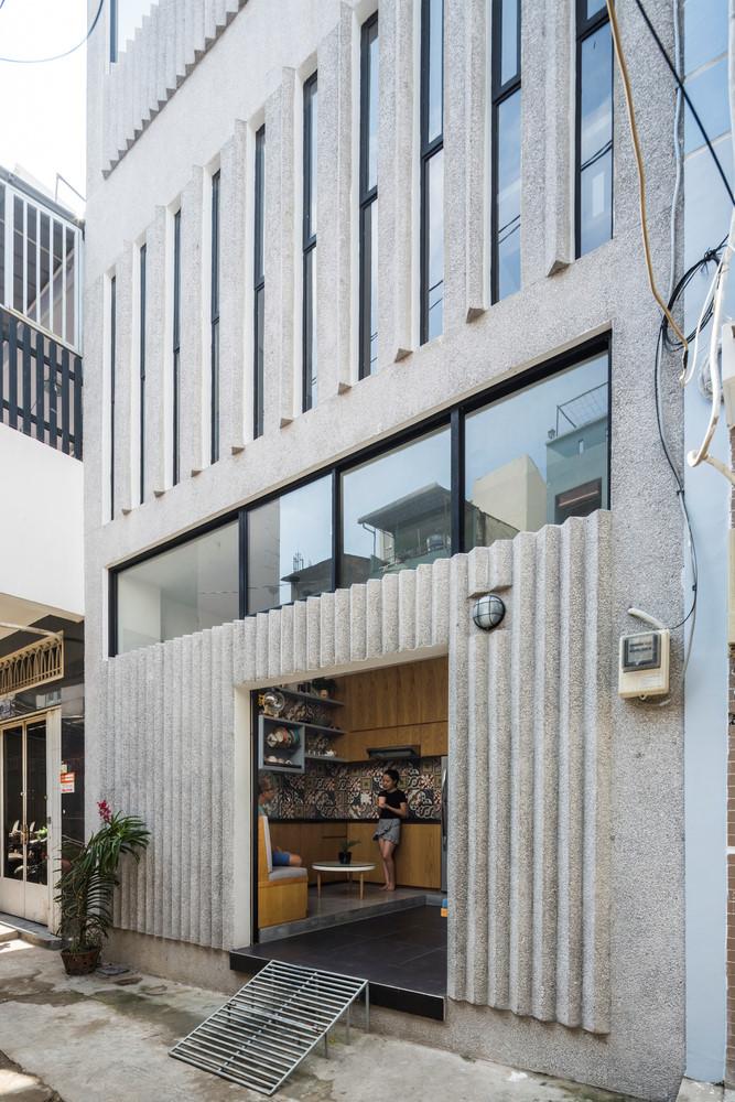 Thiết kế nhà phố nổi bật trong hẻm nhỏ Sài Gòn (3)