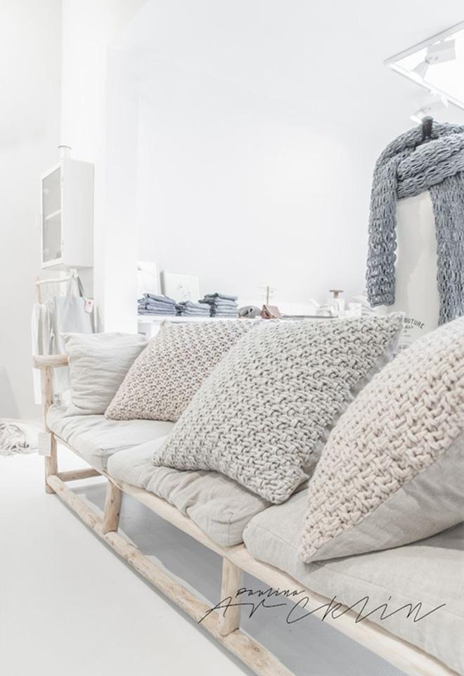 14 mẫu gối tựa lưng bằng len trang trí phòng khách đẹp hút mắt (3)