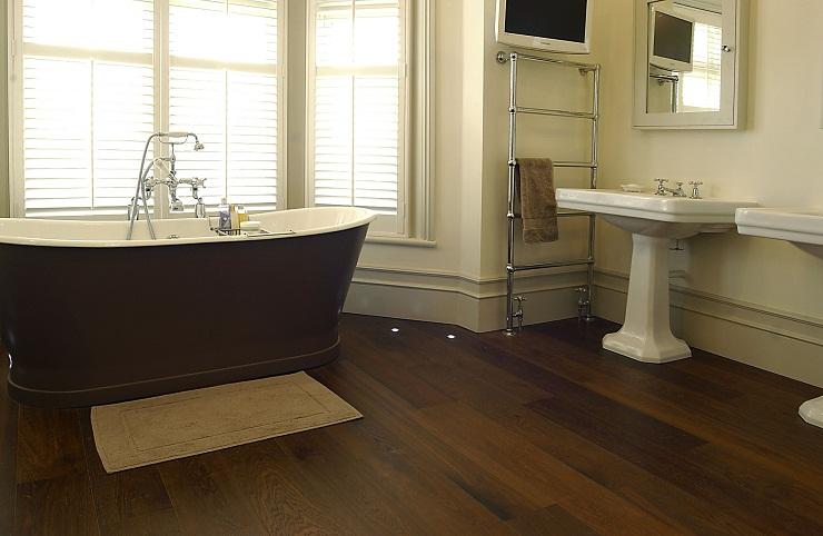 Gỗ công nghiệp lót sàn phòng tắm