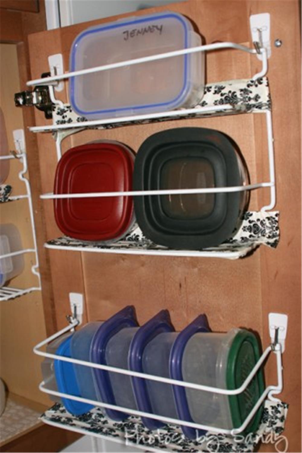 9 mẹo tận dụng cánh cửa tủ bếp lưu trữ đồ đạc tiện ích (9)