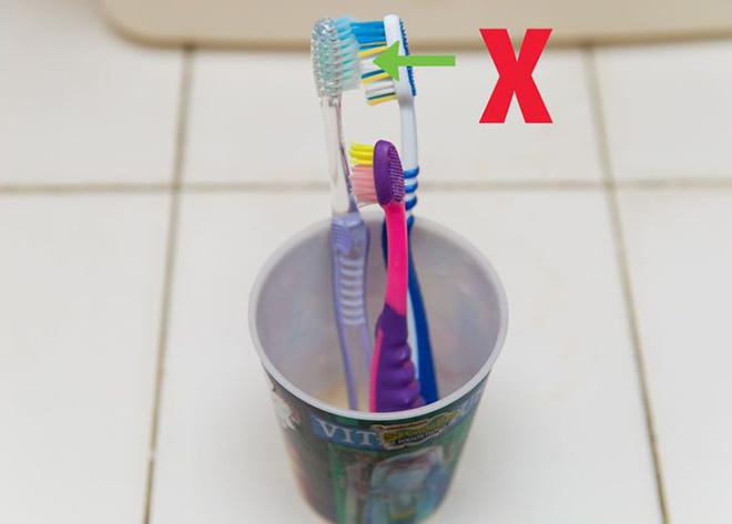 Mẹo vặt vệ sinh bàn chải đánh răng (2)
