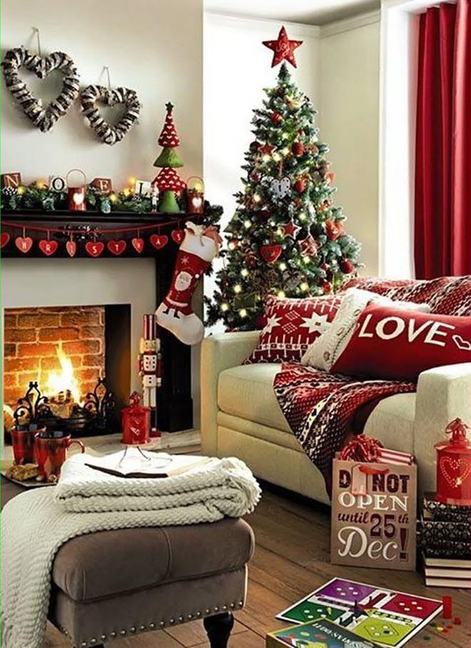 Trang trí Giáng sinh không khí ngập tràn căn phòng khách nhỏ