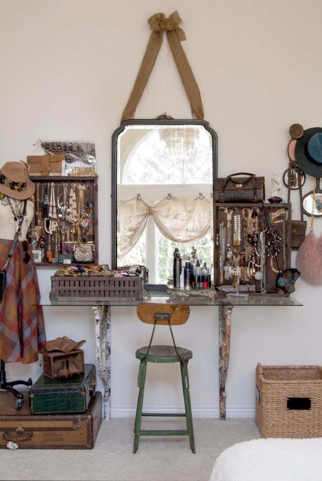 4 mẫu thiết kế bàn trang điểm cô nàng điệu đà nào cũng nên cân nhắc sở hữu - Nhà Đẹp Số (3)