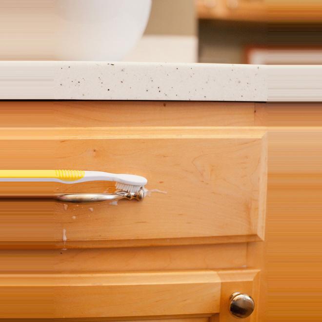 5 bước làm sạch tủ bếp gỗ hiệu quả - Nhà Đẹp Số (3)