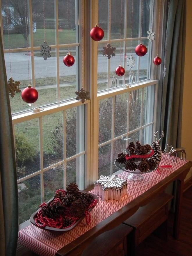 Các ý tưởng hay ho trang trí cửa sổ mừng Giáng sinh - Nhà Đẹp Số (13)