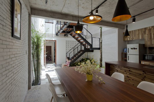 Minimalist street house on the outskirts of Saigon is praised for its green design - Beautiful House (5)