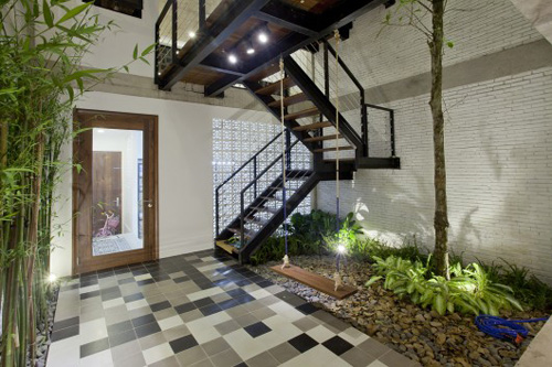 Minimalist street house on the outskirts of Saigon is praised for its green design - Beautiful House (6)