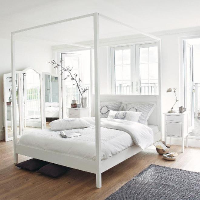 Không gian phòng ngủ thêm thơ mộng nhờ kiểu giường canopy - Nhà Đẹp Số (1)