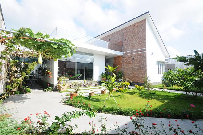 """Ngôi nhà đẹp 1 tầng có sân vườn rộng """"vạn người mê"""" ở Đồng Tháp - Nhà Đẹp Số (1)"""