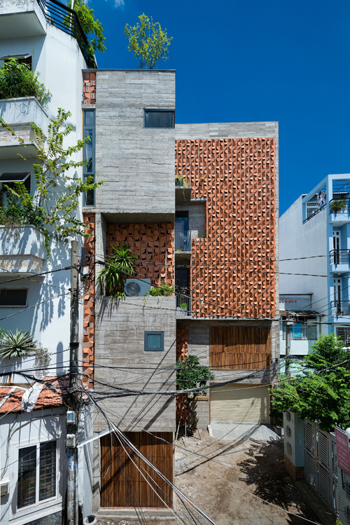 5-storey house on the land of strange shape in Saigon - Beautiful House No. (1)