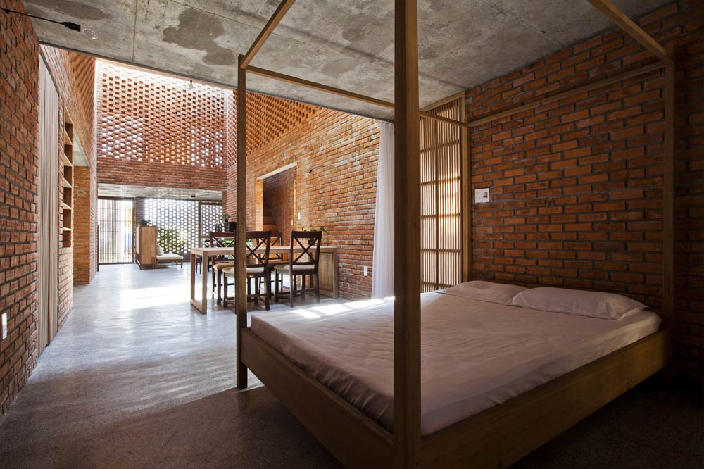 The rustic appearance of a modern townhouse in Da Nang - Beautiful house (10)