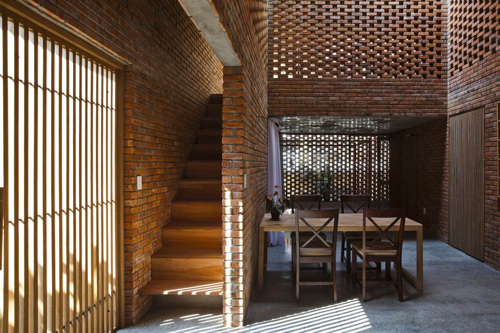 The rustic appearance of modern townhouse in Da Nang - Beautiful house (3)