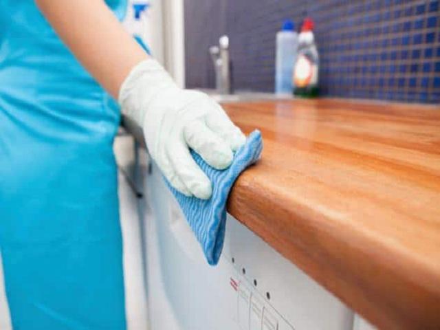 Các mẹo làm sạch tủ bếp gỗ đơn giản ai cũng làm được - Nhà Đẹp Số (2)