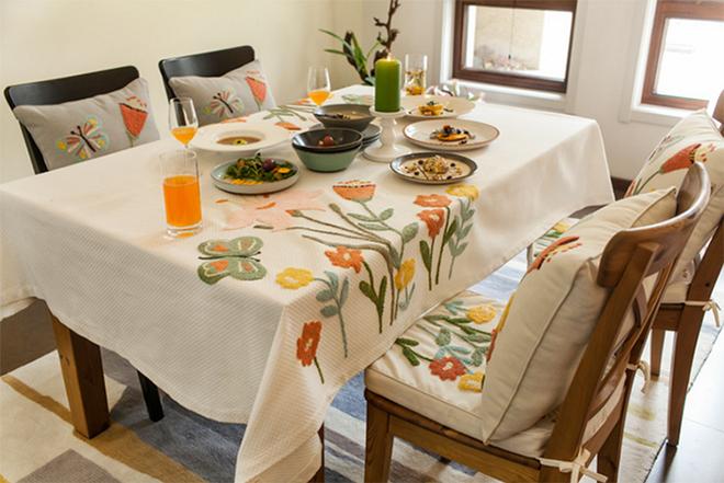 Làm mới bàn ăn gia đình bằng những chiếc khăn trải bàn siêu xinh - Nhà Đẹp Số (18)