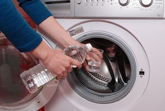 Mách bạn mẹo làm sạch nhà cửa chỉ bằng các nguyên liệu rẻ tiền - Nhà Đẹp Số (2)