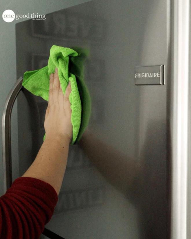 Mách chị em mẹo làm sạch tủ lạnh trong 5 phút - Nhà Đẹp Số (6)
