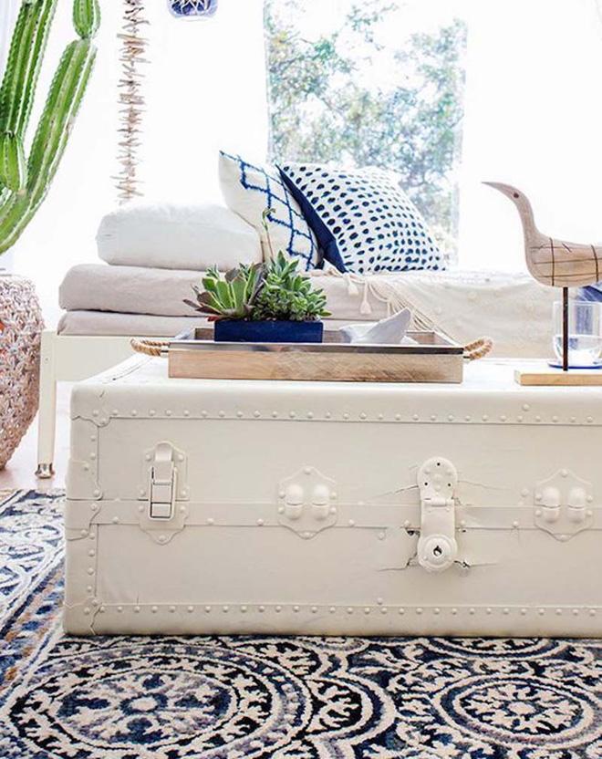 Muôn kiểu bàn trà phòng khách làm từ vali cũ - Nhà Đẹp Số (4)