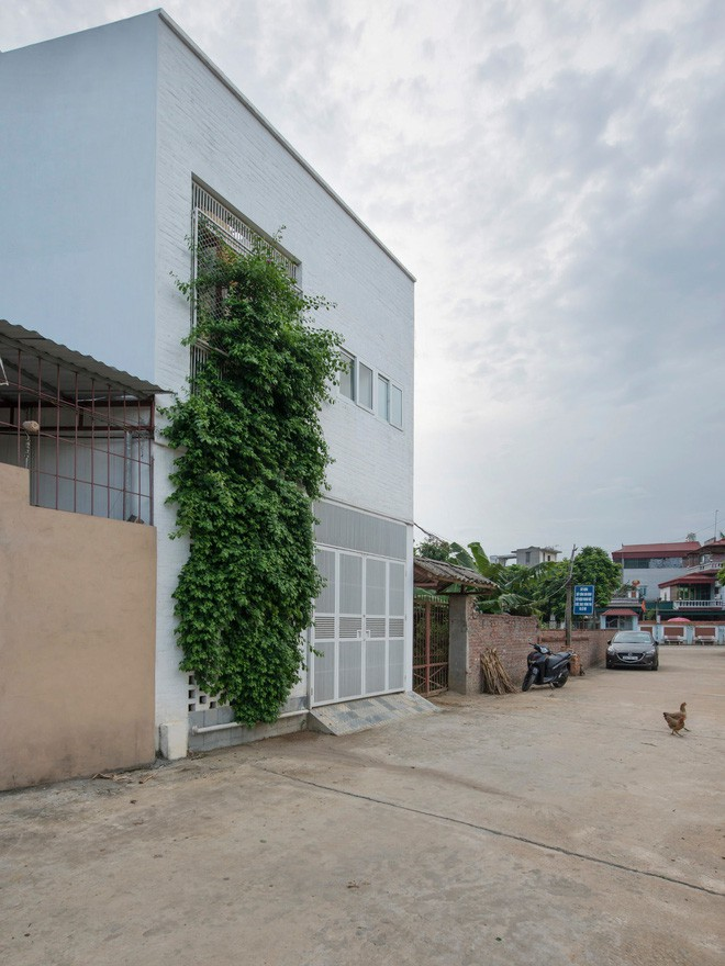 Ngỡ ngàng ngôi nhà đẹp 3 tầng trên mảnh đất xéo ngoại ô Hà Nội - Nhà Đẹp Số (3)