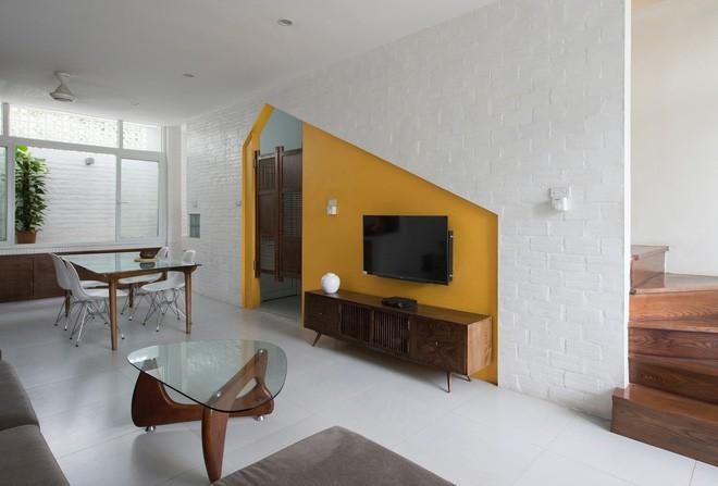 Ngỡ ngàng ngôi nhà đẹp 3 tầng trên mảnh đất xéo ngoại ô Hà Nội - Nhà Đẹp Số (5)