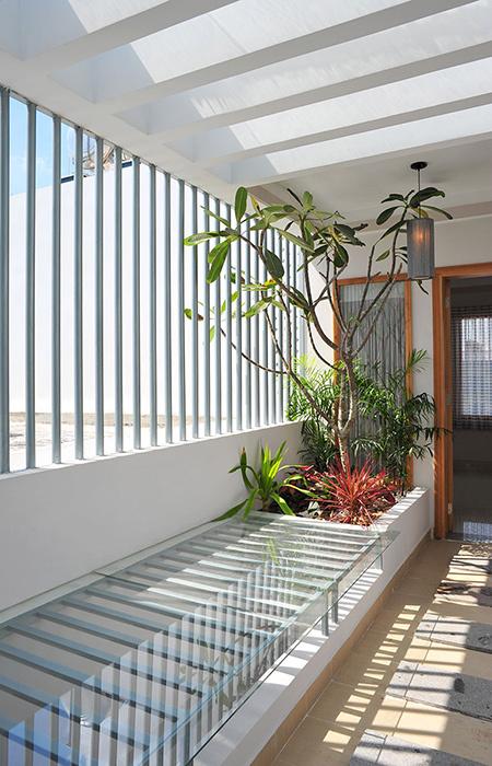 Thiết kế nhà ống 76 m2 độc đáo với hồ bơi trên sân thượng - Nhà Đẹp Số (10)