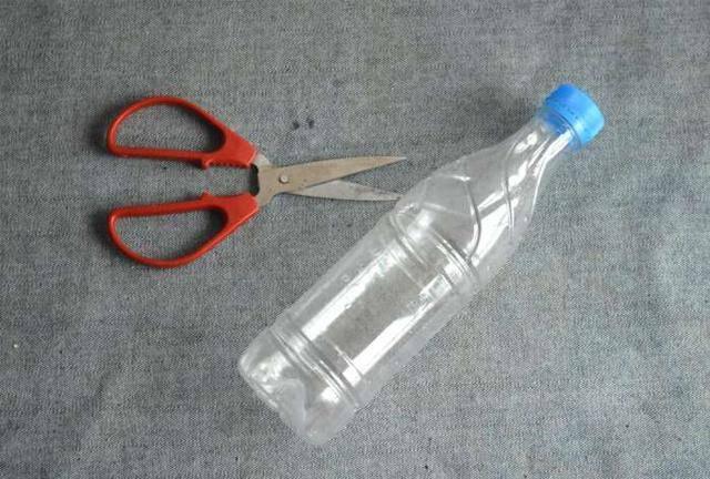 Tự chế dụng cụ cọ nồi không đau tay bằng các nguyên liệu rẻ tiền - Nhà Đẹp Số (1)