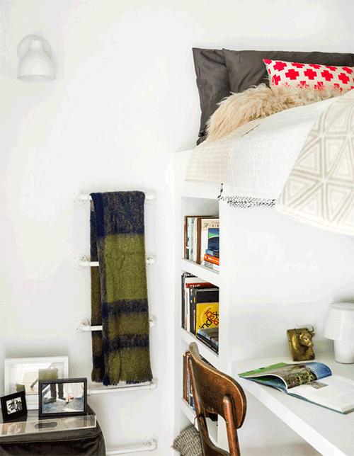10 tuyệt chiêu giúp không gian phòng ngủ nhỏ trở nên rộng rãi bất ngờ - Nhà Đẹp Số (7)