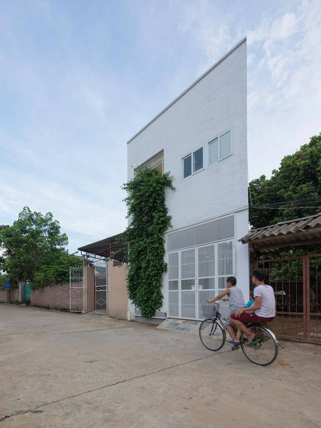 Ngỡ ngàng ngôi nhà đẹp 3 tầng trên mảnh đất xéo ngoại ô Hà Nội - Nhà Đẹp Số
