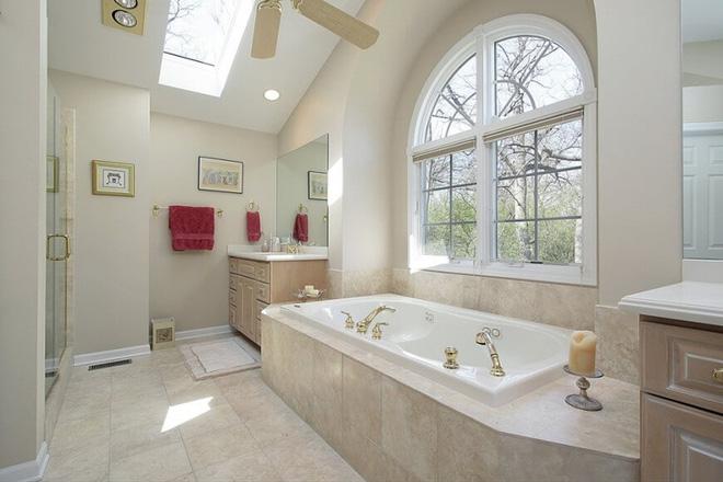 Những mẫu phòng tắm gác mái đẹp ngây ngất ai cũng ao ước sở hữu - Nhà Đẹp Số (7)