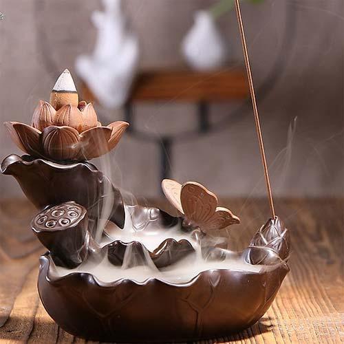 Thác khói trầm hương mang lại bầu không khí ấm cúng, thiền tịnh cho người sử dụng