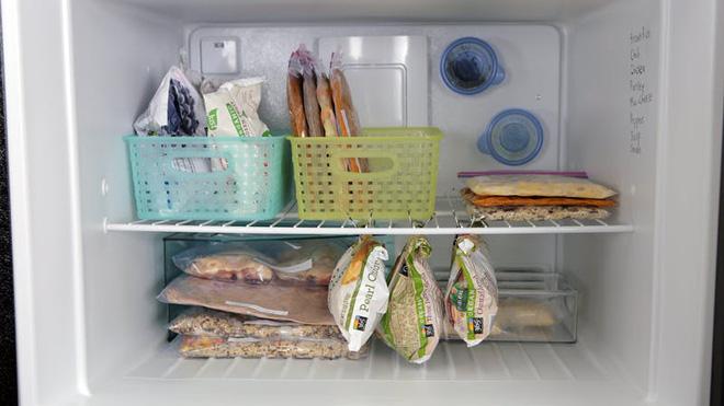 6 mẹo vặt lưu trữ cho tủ lạnh luôn rộng rãi dù chứa nhiều đồ ăn cách mấy - Nhà Đẹp Số (4)