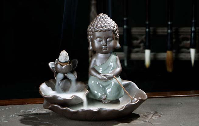 Thác khói trầm hương Tiểu Phật Tọa Thiền