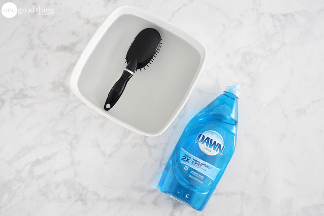 Khi vệ sinh nhà tắm không được quên dọn dẹp 8 thứ này - Nhà Đẹp Số (6)