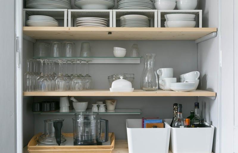 Không gian phòng bếp nhỏ chẳng lo vì đã có 10 cách lưu trữ cực thông minh này - Nhà Đẹp Số (1)