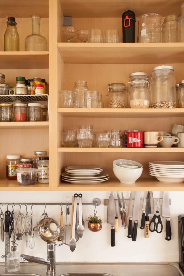 Không gian phòng bếp nhỏ chẳng lo vì đã có 10 cách lưu trữ cực thông minh này - Nhà Đẹp Số (6)