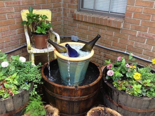 Muôn kiểu trang trí sân vườn bằng thùng rượu cũ - Nhà Đẹp Số (3)